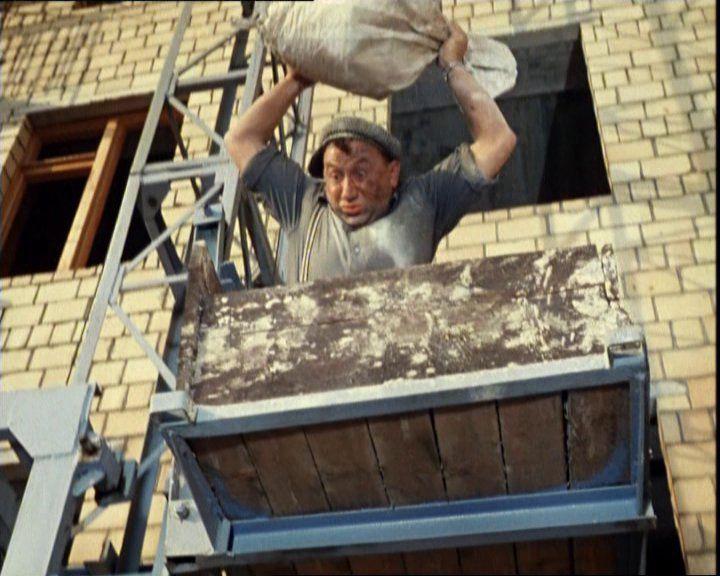машинист  строительных подъемников