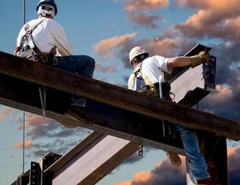 монтажник стальных  и железобетонных конструкций